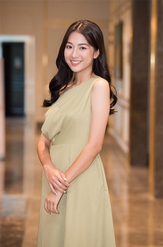 Bản sao Nhã Phương thi Hoa hậu VN 2020 - 2