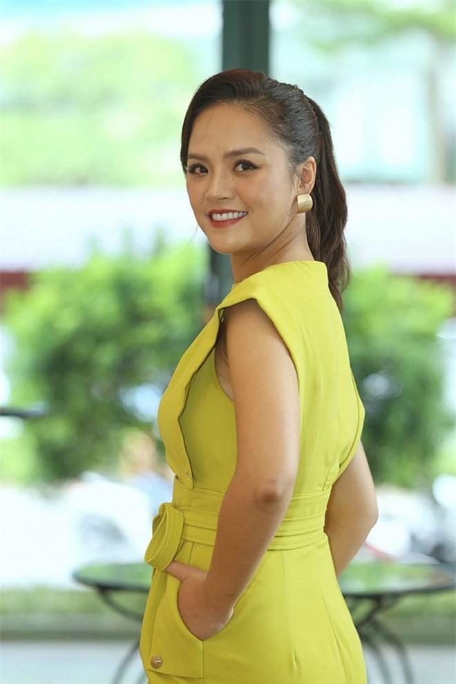 Diễn viên Thu Quỳnh: 'Tôi rất áp lực khi vào vai con giáp thứ 13' 5