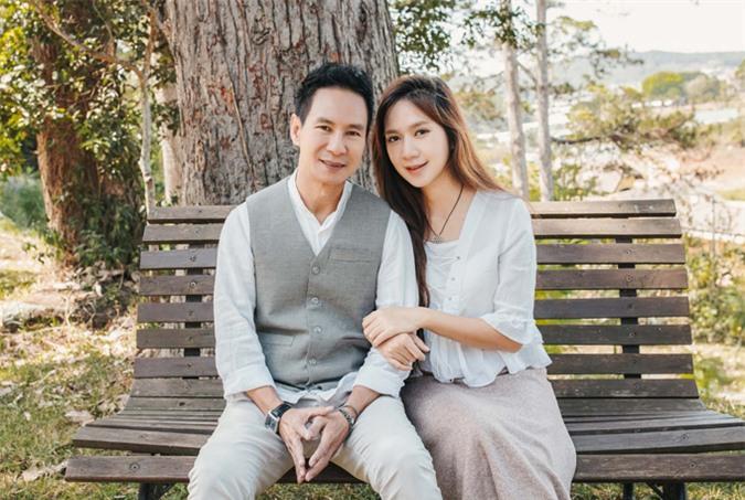 Cựu hot girl Minh Hà không hối hận khi lui về làm hậu phương cho chồng, dù cô tốt nghiệp thạc sĩ ngành Luật ở nước ngoài.