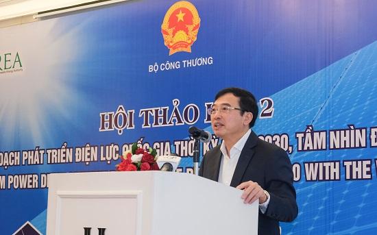 Thứ trưởng Bộ Công Thương Hoàng Quốc Vượng phát biểu khai mạc Hội thảo.