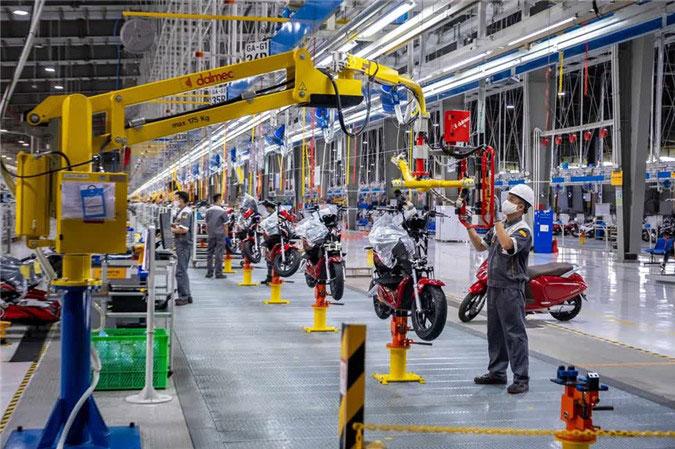 Báo Mỹ nói gì về xe máy điện VinFast của tỷ phú Phạm Nhật Vượng?