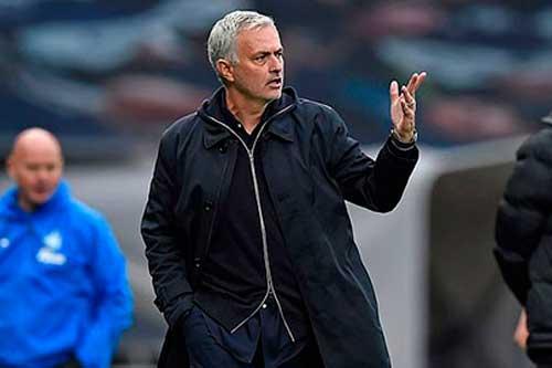 """Jose Mourinho ngỏ ý nhường """"đệ tử"""" Frank Lampard ở Carabao Cup"""