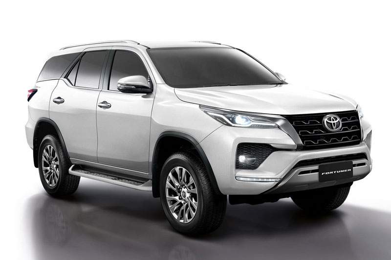 Toyota Fortuner 2021.