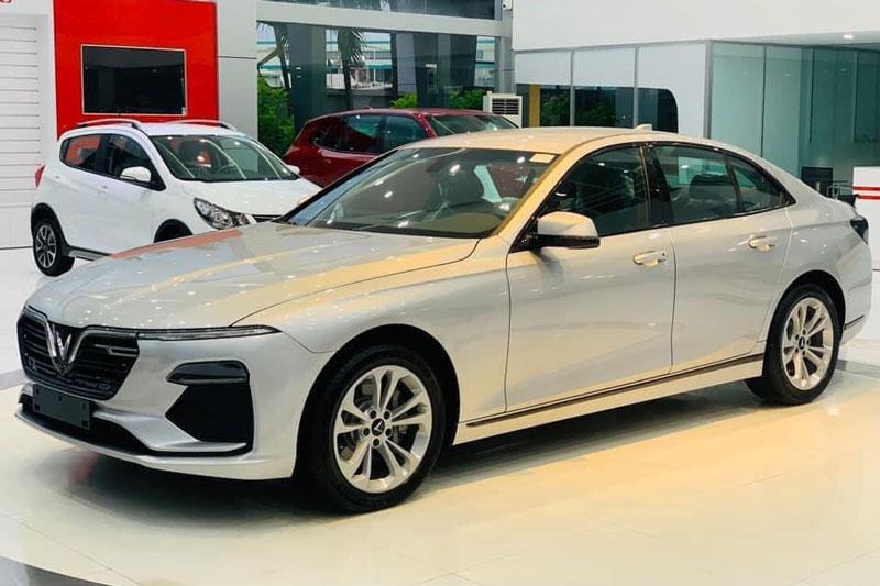 Giá lăn bánh xe VinFast Lux A2.0 tháng 9/2020