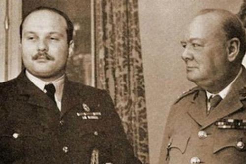 Muhammad Faruq và Wiston Churchill.