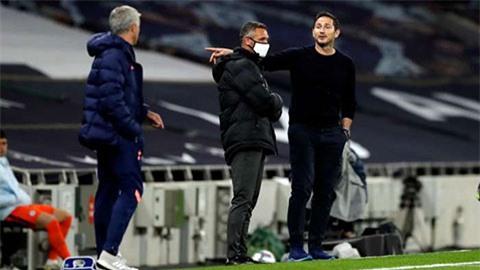 Lampard giải thích lý do cãi nhau với thầy cũ Mourinho