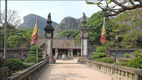 Khu di tích Đền vua Đinh ở cố đô Hoa Lư (Ninh Bình)