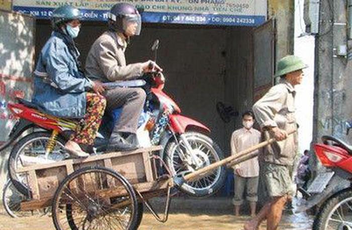 Cười nghiêng ngả với những hình ảnh hài hước có 1-0-2 trên đường phố Việt Nam