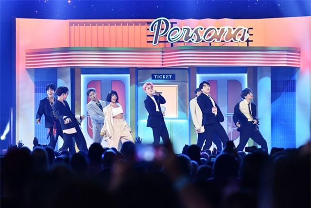BTS xác nhận trình diễn tại lễ trao giải Billboard Music Award 2020 - Ảnh 1.