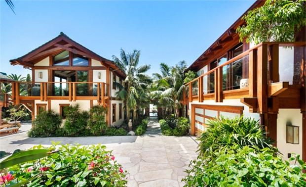 Những khoảnh vườn xanh tươi xen kẽ trong sân vườn là nét đặc trưng của kiến trúc Đông Nam Á.