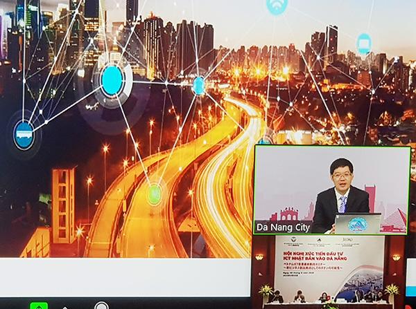 """Ông Lê Sơn Phong, Phó Giám đốc Sở TT-TT Đà Nẵng, phát biểu tại hội nghị trực tuyến """"Xúc tiến đầu tư ICT Nhật Bản vào Đà Nẵng"""" tổ chức ngày 30/9"""