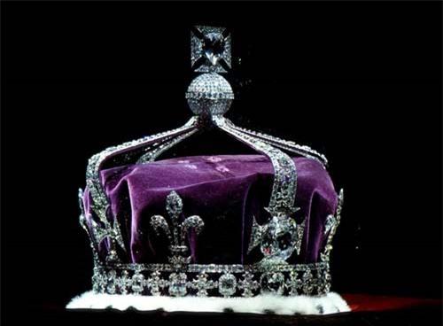 Viên siêu kim cương chỉ có Thượng đế hoặc phụ nữ mới được đeo