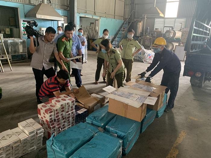 Tiêu hủy hơn 15.000 bao thuốc lá điếu ngoại nhập lậu tại Bình Định.