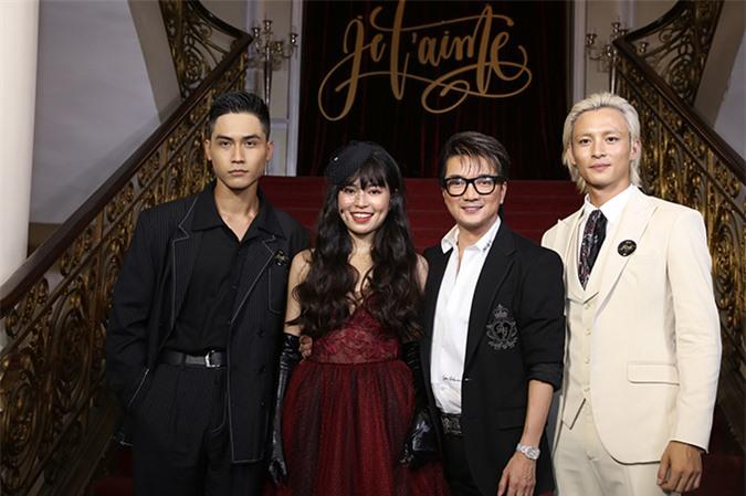 MV còn có sự xuất hiện của ba diễn viên trẻ bao gồm Lãnh Thanh, Khánh Vân và Võ Điền Gia Huy.