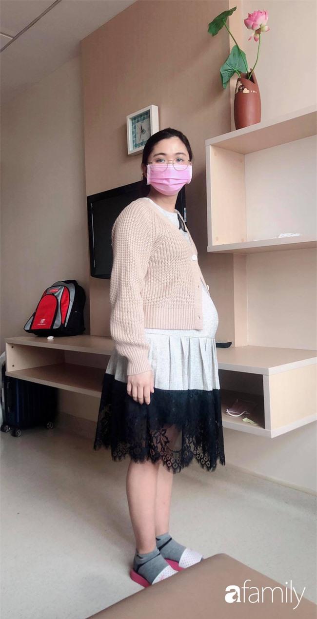 """Tăng 20kg khi mang thai, hot girl Sài Gòn đẻ xong """"tàn tạ"""", phải mượn quần mẹ chồng để mặc và cú """"lột xác"""" ngoạn mục - Ảnh 3."""