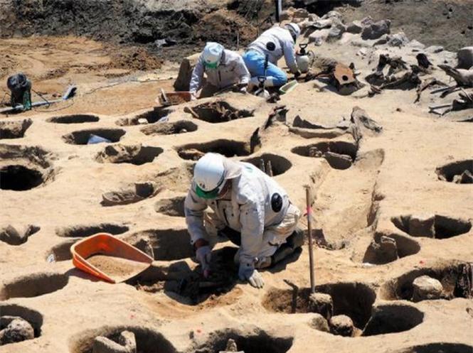 Lạ kỳ cổ mộ hình tổ ong khổng lồ chôn cất 1.500 hài cốt - ảnh 3