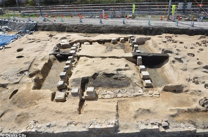Lạ kỳ cổ mộ hình tổ ong khổng lồ chôn cất 1.500 hài cốt - ảnh 4