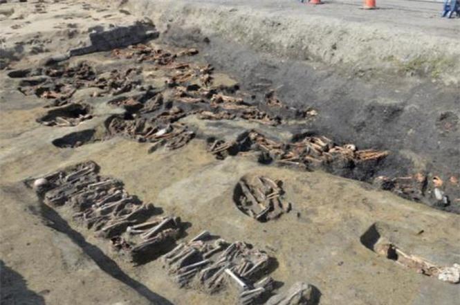 Lạ kỳ cổ mộ hình tổ ong khổng lồ chôn cất 1.500 hài cốt - ảnh 5