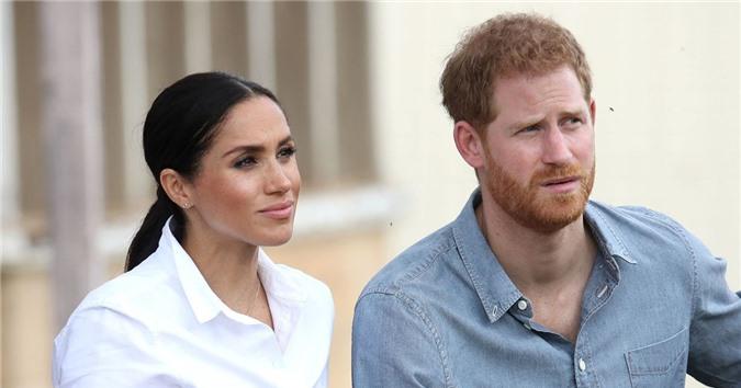 """Meghan Markle tiếp tục đón nhận sự sỉ nhục trong vụ kiện tai tiếng và khiến chồng Nữ hoàng Anh """"phát cáu"""" - Ảnh 2."""