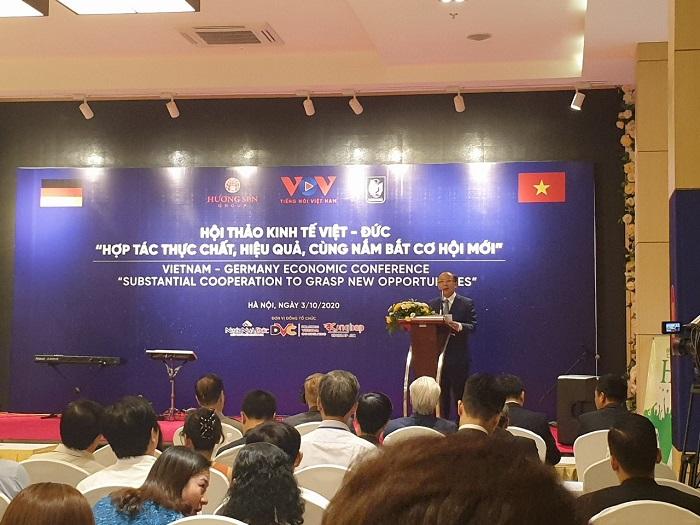 Ông Nguyễn Văn Thân – Chủ tịch Hiệp hội Doanh nghiệp nhỏ và vừa Việt Nam (VINASME) phát biểu khai mạc hội thảo.