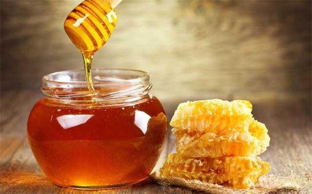 Chuyên gia chỉ rõ 5 thời điểm nên dùng mật ong để phát huy tối đa công dụng - Ảnh 1.