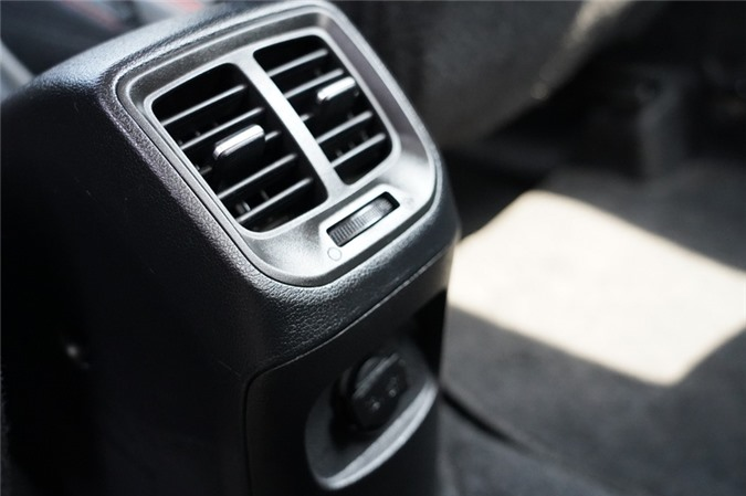 Danh gia Hyundai Grand i10 2020 anh 11