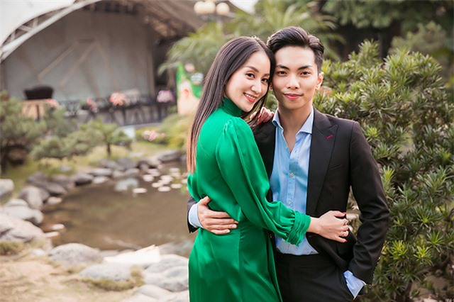Cuộc sống sung túc của những người đẹp showbiz Việt lấy chồng kém tuổi - Ảnh 2.