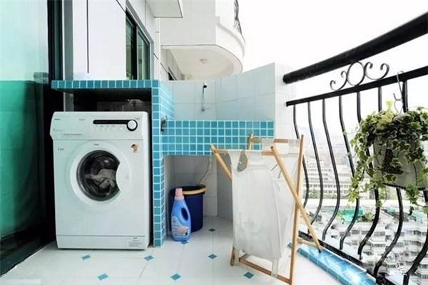 Không đặt may giặt bên tường phải
