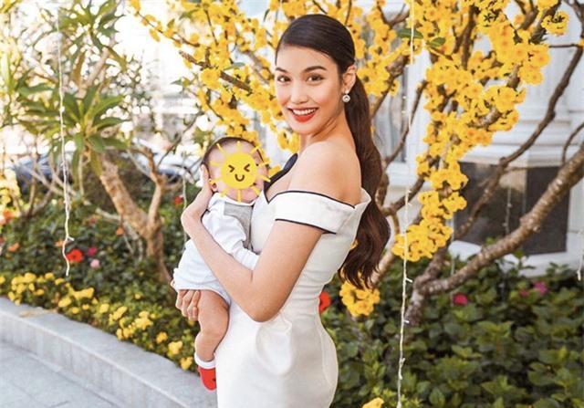 Hai mẹ bỉm sữa sành điệu của showbiz Việt - Ảnh 1.