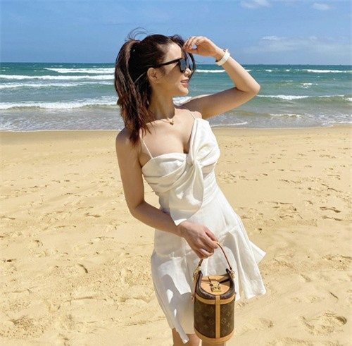 Hai mẹ bỉm sữa sành điệu của showbiz Việt - Ảnh 11.