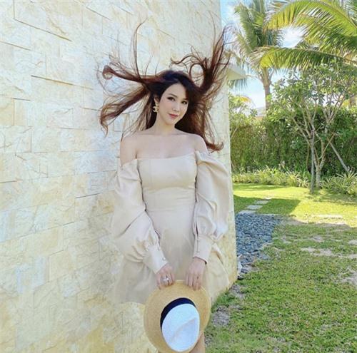 Hai mẹ bỉm sữa sành điệu của showbiz Việt - Ảnh 12.