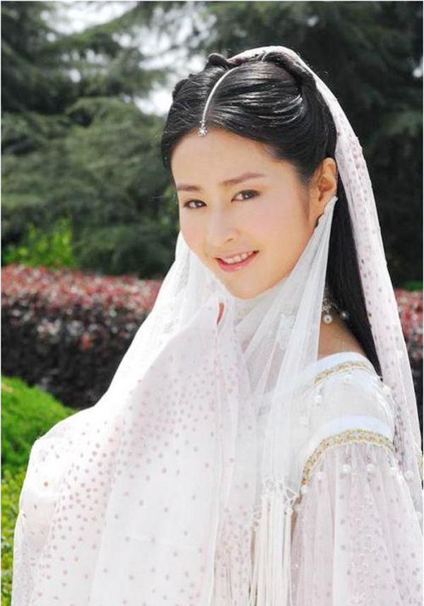 Những mỹ nhân xinh đẹp nhất trong thế giới kiếm hiệp Kim Dung (P.1) - Ảnh 3.