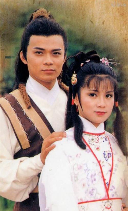 """Tiên đồng ngọc nữ bước ra từ truyện Kim Dung: Đẹp đôi đến độ ai cũng mong """"phim giả tình thật"""", có cặp nên duyên chồng vợ ngoài đời thực - Ảnh 10."""