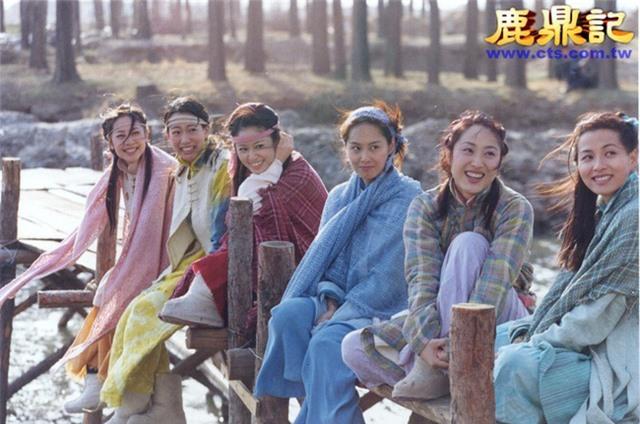 """Tiên đồng ngọc nữ bước ra từ truyện Kim Dung: Đẹp đôi đến độ ai cũng mong """"phim giả tình thật"""", có cặp nên duyên chồng vợ ngoài đời thực - Ảnh 20."""