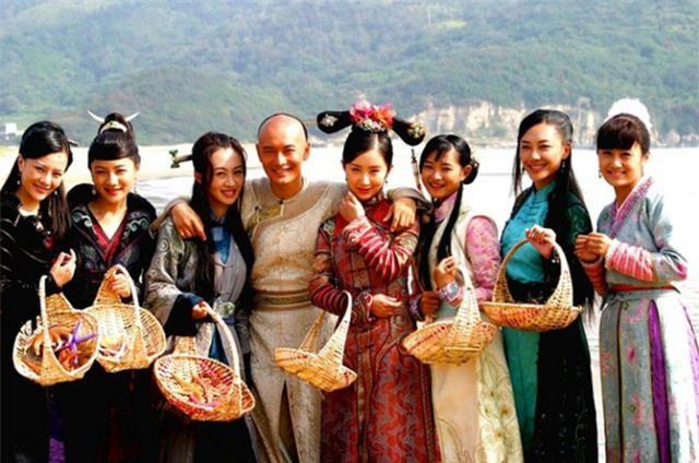 """Tiên đồng ngọc nữ bước ra từ truyện Kim Dung: Đẹp đôi đến độ ai cũng mong """"phim giả tình thật"""", có cặp nên duyên chồng vợ ngoài đời thực - Ảnh 22."""