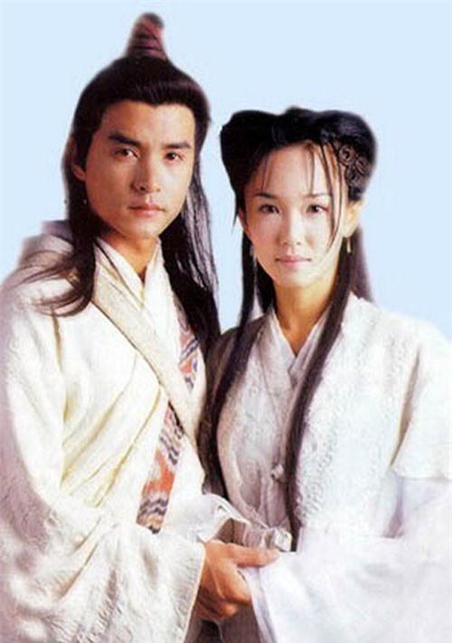 """Tiên đồng ngọc nữ bước ra từ truyện Kim Dung: Đẹp đôi đến độ ai cũng mong """"phim giả tình thật"""", có cặp nên duyên chồng vợ ngoài đời thực - Ảnh 6."""