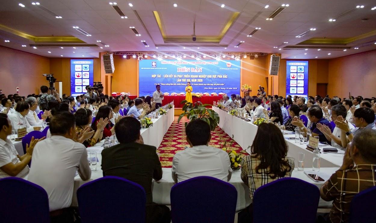 Diễn đàn Hợp tác - Liên kết và Phát triển doanh nghiệp khu vực phía Bắc lần thứ XIII năm 2020 tại tỉnh Hòa Bình ngày 4/10/2020.