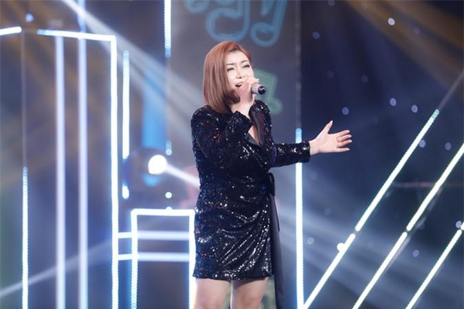 Sau tám năm đoạt ngôi á quân The Voice, Xuân Nghi mới trở lại sân khấu lớn qua Ca sĩ ẩn danh.