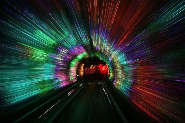 """Choáng váng với kiến trúc của 10 đường hầm """"độc lạ"""" nhất thế giới - Ảnh 2."""