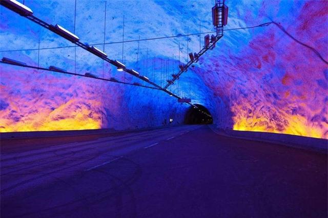 """Choáng váng với kiến trúc của 10 đường hầm """"độc lạ"""" nhất thế giới - Ảnh 3."""