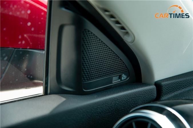 Hiển thị cảnh báo điểm ở phần trụ A của xe