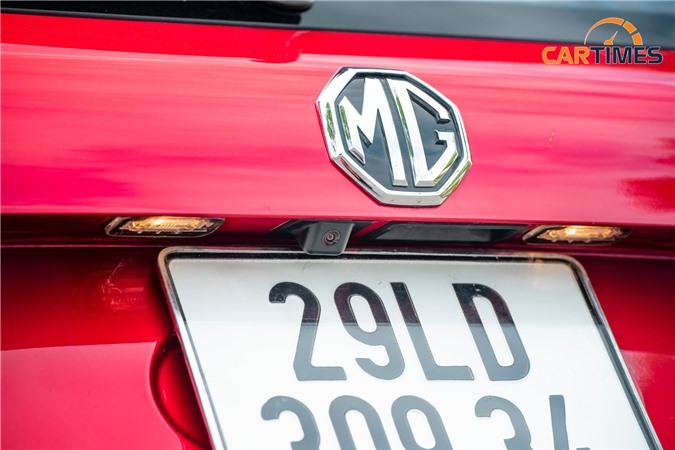 Camera lùi trên xe MG HS