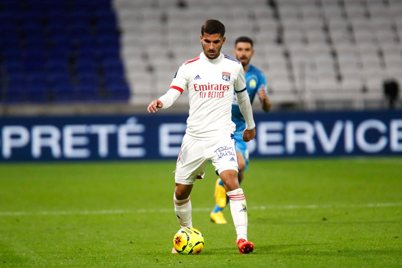 Tiền vệ trung tâm: Houssem Aouar (Lyon).