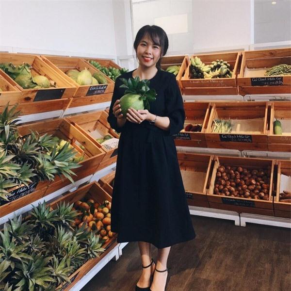 Đỗ Phan Hoàng Sương đã sáng lập ra Dalat Foodie là công ty chuyên kinh doanh thực phẩm hữu cơ theo mô hình Farm to Table (từ nông trại tới bàn ăn).