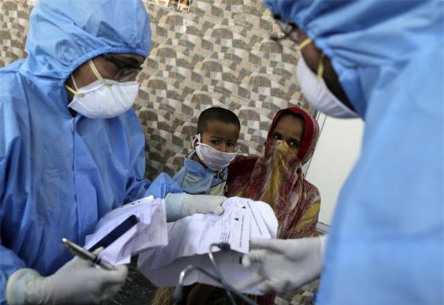Thế giới ghi nhận hơn 35,6 triệu ca mắc COVID-19, số ca nhiễm mới trong ngày ở Ấn Độ giảm mạnh - Ảnh 1.