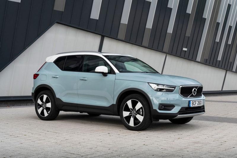 =6. Volvo XC40 2020 (điểm an toàn: 9,8/10, giá khởi điểm: 33.700 USD).