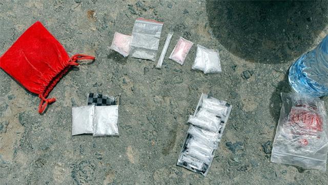 Bắt đối tượng đi xe SH tàng trữ trái phép chất ma túy - Ảnh 1.