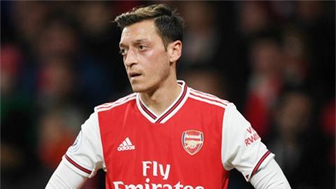 Oezil có nguy cơ bị loại khỏi đội hình Arsenal