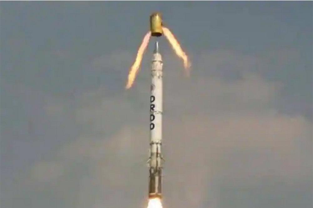 Quân đội Ấn Độ chuẩn bị tiếp nhận tên lửa siêu thanh Shaurya có khả năng mang đầu đạn hạt nhân. Ảnh: Hindustan Times.