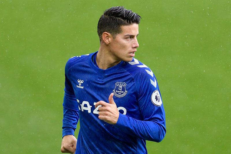 Tiền vệ: James Rodriguez (Real Madrid sang Everton, 22 triệu bảng).